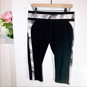 Fabletics athletic pants black/white capris floral